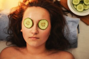 Get Rid from these 5 Skin Problems by Cucumber