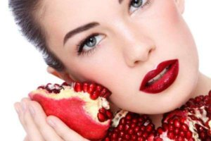 Enhance Beauty with Pomegranate, Get Red Beauty