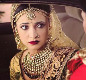 Sanaya Irani Birthday Today, Know Interesting Things about Her