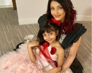 Aishwarya share a Beautiful Pictures with Aaradhya
