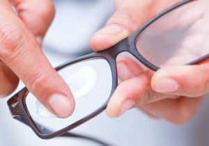5 Tips for Removing Scratch of Eyeglasses