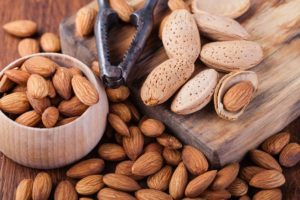 Learn Who Should not Eat Almonds