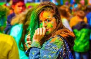 7 Easy Ways to Remove Holi colour from skin