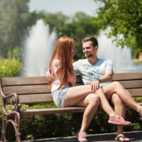 When to Give Girlfriends Surprise, Follow These 5 Tips