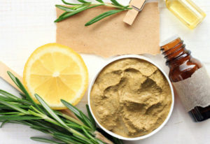 Multani mitti use will brighten your skin and hair