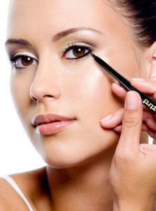 Follow these 5 Tips while applying Kajal